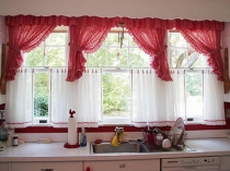 1600x1200-red-kitchen-curtains-with-the-dishwasher-233153