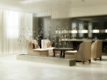 guerlain-spa-reception-with-rainy-crystal-decoration-design-at-waldorf-astoria-hotel-in-manhattan
