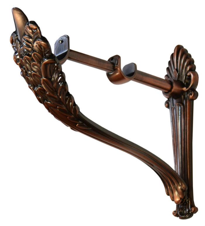 Современный дизайн карнизов для штор давно шагнул за рамки привычных решений, например, к деревянной штанге деревянный кронштейн
