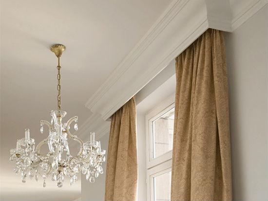 Ниша для карниза из широкого потолочного плинтуса – идеальное решение для классического интерьера