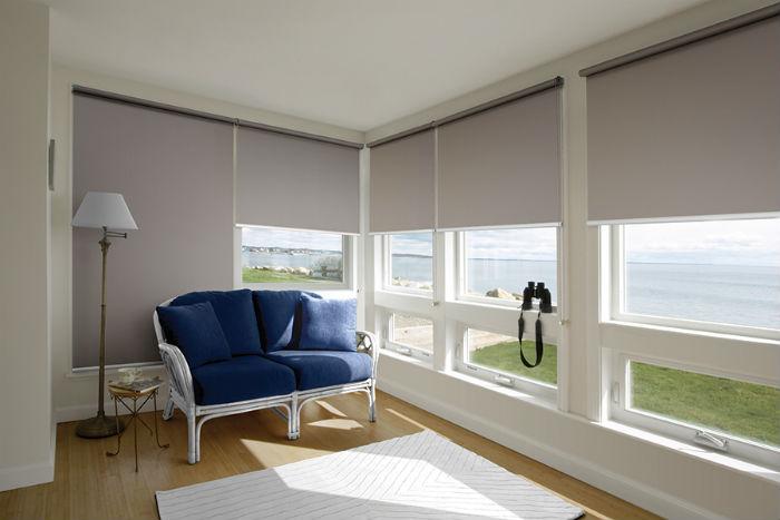 Выбирая плотность и светорассеивающие характеристики материала, обязательно следует учитывать уровень освещенности и специфику пространства
