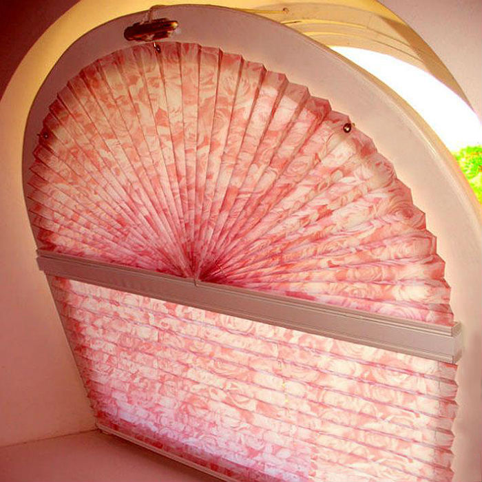 Красивые бумажные плиссе-жалюзи станут украшением интерьера и надежно защитят помещение от солнечного света