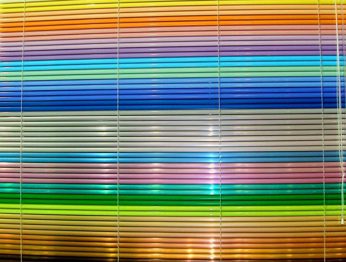 Огромная цветовая палитра горизонтальных жалюзи позволяет подобрать не только определенный цвет, но даже тона и полутона