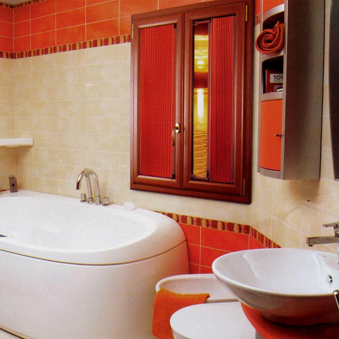 Фото плиссе занавесок в интерьере ванны, для специфических помещений выбирайте жалюзи с водоотталкивающей пропиткой