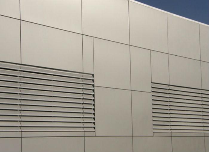 Жалюзи на вентиляцию защищают воздуховоды от природных явлений и от мусора