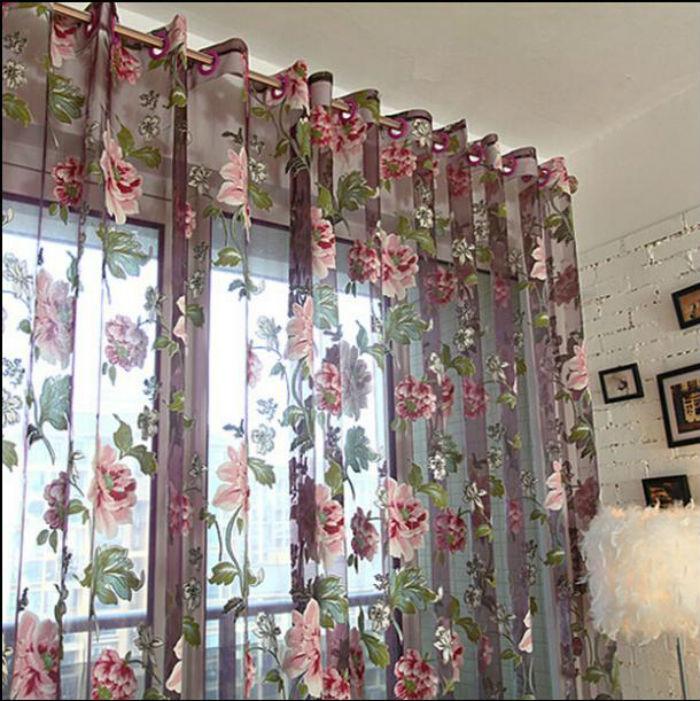 Занавески из органзы с вышивкой станут ярким акцентом и украшением интерьера