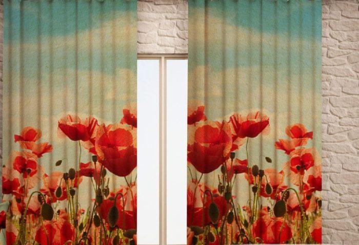 Фото маков на шторах, которые создают лёгкое летнее настроение в кафе