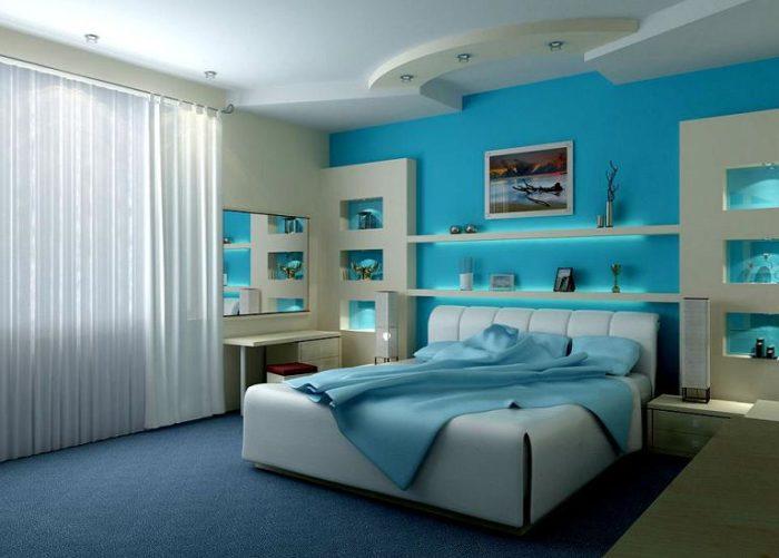 Голубые обои хорошо смотрятся в спальне