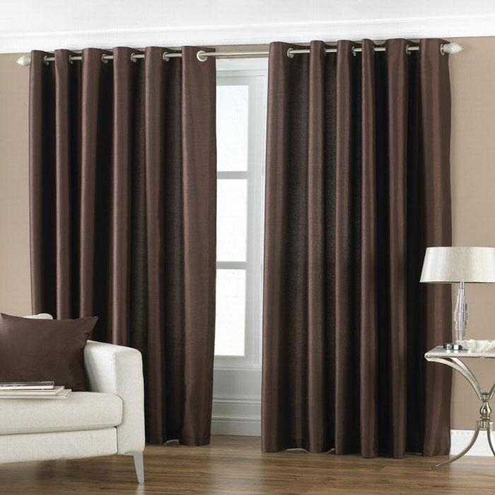 Люверсы и шторы – прекрасное сочетание для изысканного интерьера зала