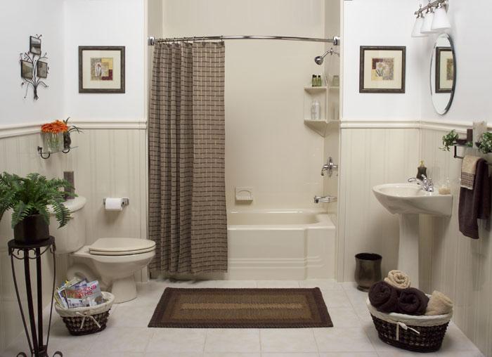 Стильный карниз может стать прекрасным аксессуаром для вашей ванной