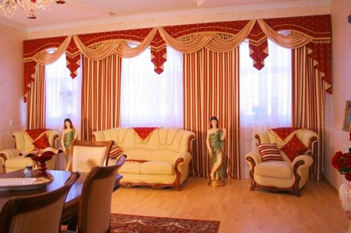 Это традиционный элемент при оформлении гостиной в стиле ренессанса