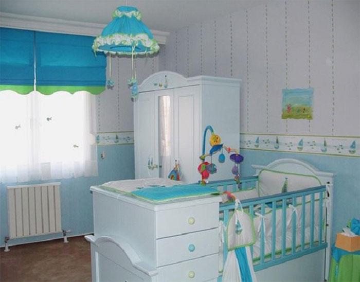 Фото рольшторы голубого оттенка в интерьере детской