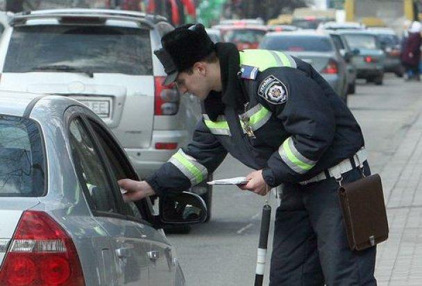 При использовании шторок обязательно учитывайте требования правил дорожного движения!