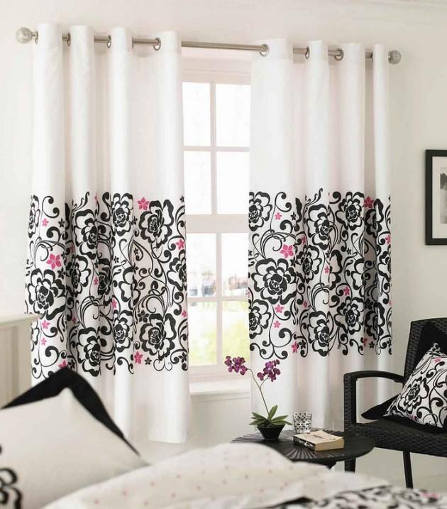 На фото показано, как можно интересно обыграть шторы до подоконника с растительным узором с другими предметами декора